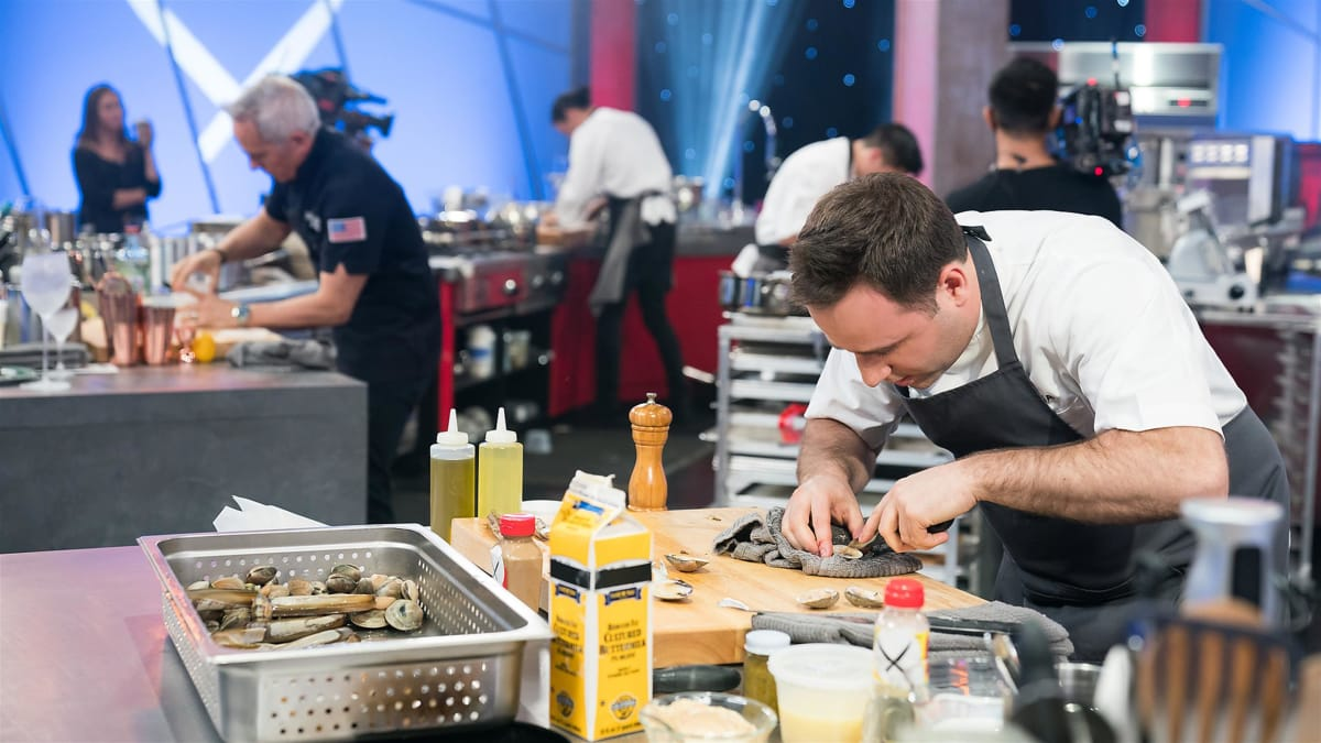 Chef Lee Wolen busts out of his shell battling Iron Chef Geoffrey Zakarian.